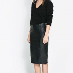 NWT Zara Basic Black Faux Leather Pencil Skirt M